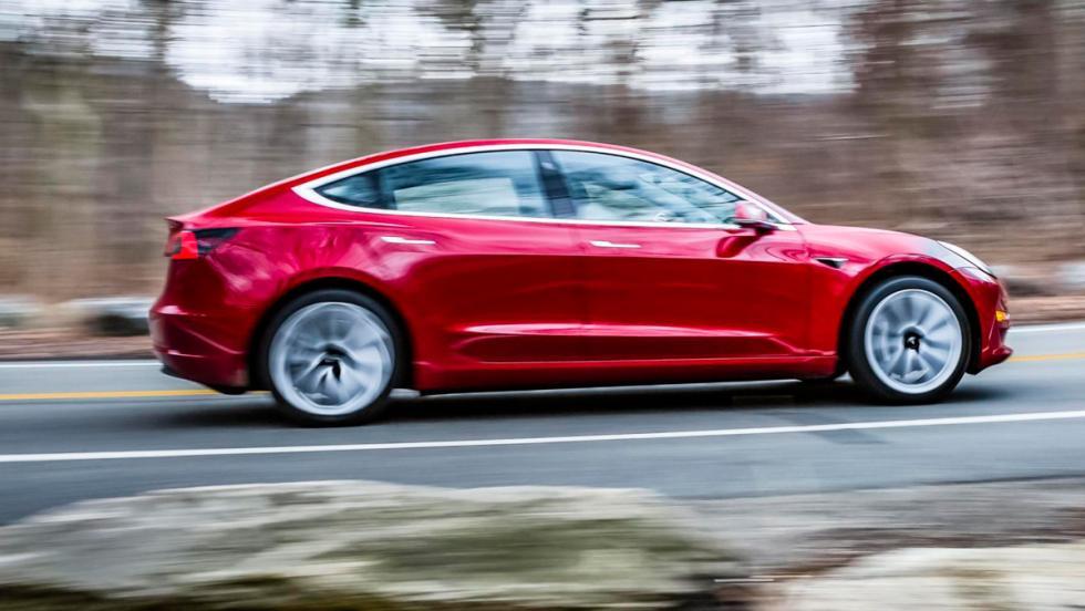 Tesla Model 3: 0-100 km/h en 5,1 s.