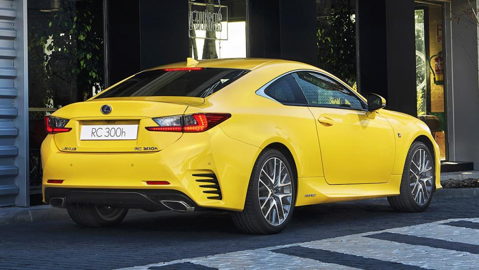 5 cepos que se mueven menos que De Gea bajo palos - Lexus RC