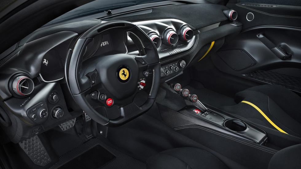 Los coches de Cristiano Ronaldo - Ferrari F12tdf