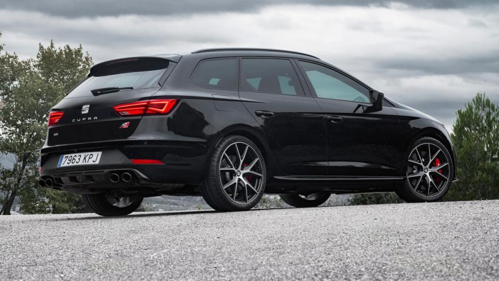 Seat León ST Cupra Black Carbon (lateral)