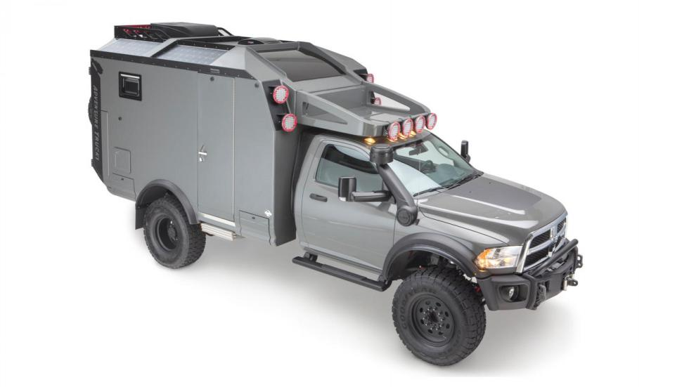 Adventure Truck (lateral)
