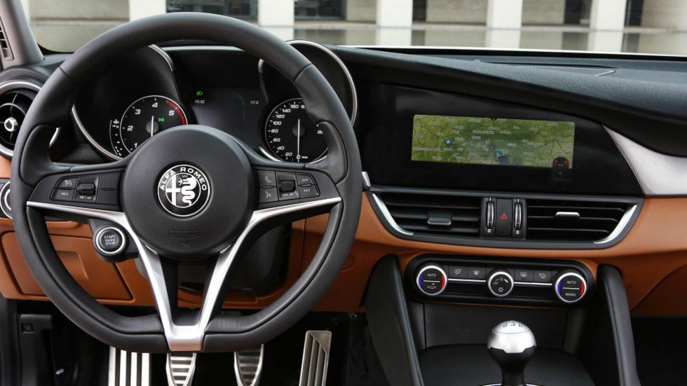 Alfa Romeo Giulia 2016 5
