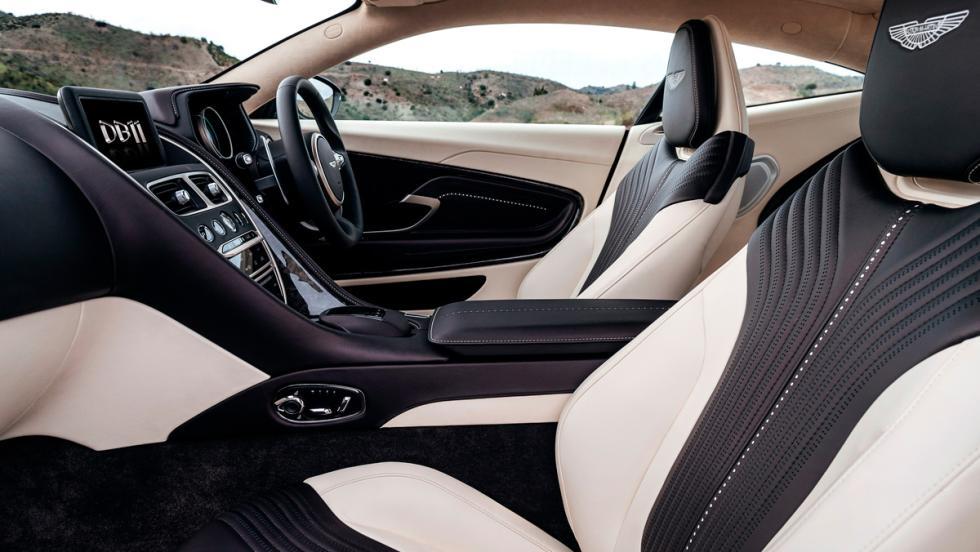 Aston Martin DB11, asientos