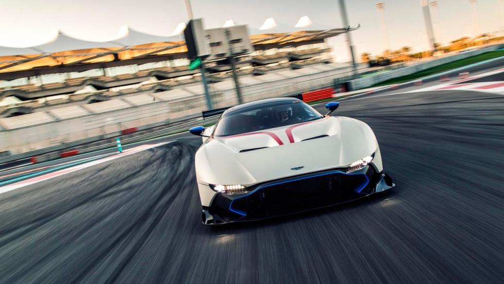 Aston Martin Vulcan, frontal