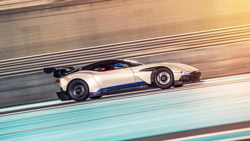 Aston Martin Vulcan, lateral