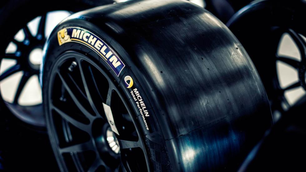 Aston Martin Vulcan, neumáticos