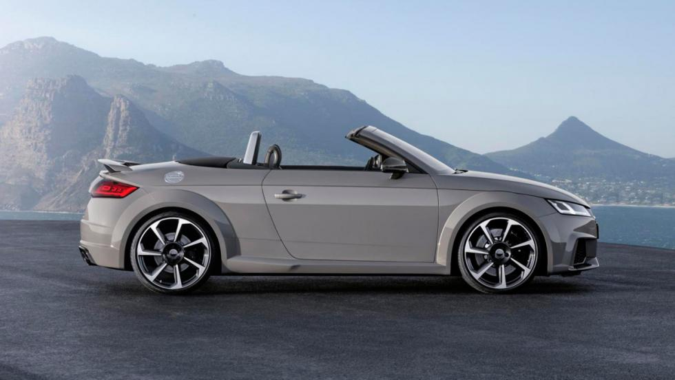 Audi TT RS Roadster lateral