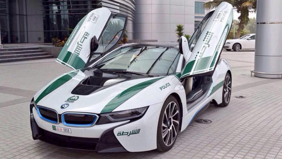 BMW i8 - Policía de Dubai