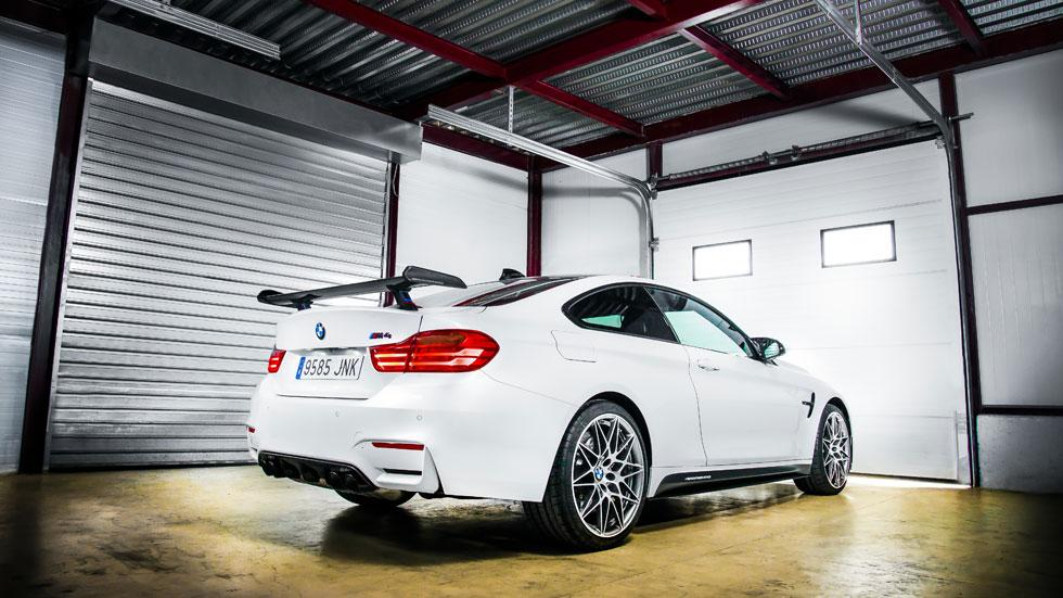 BMW M4 Competition Sport Edition trasera lateral circuito