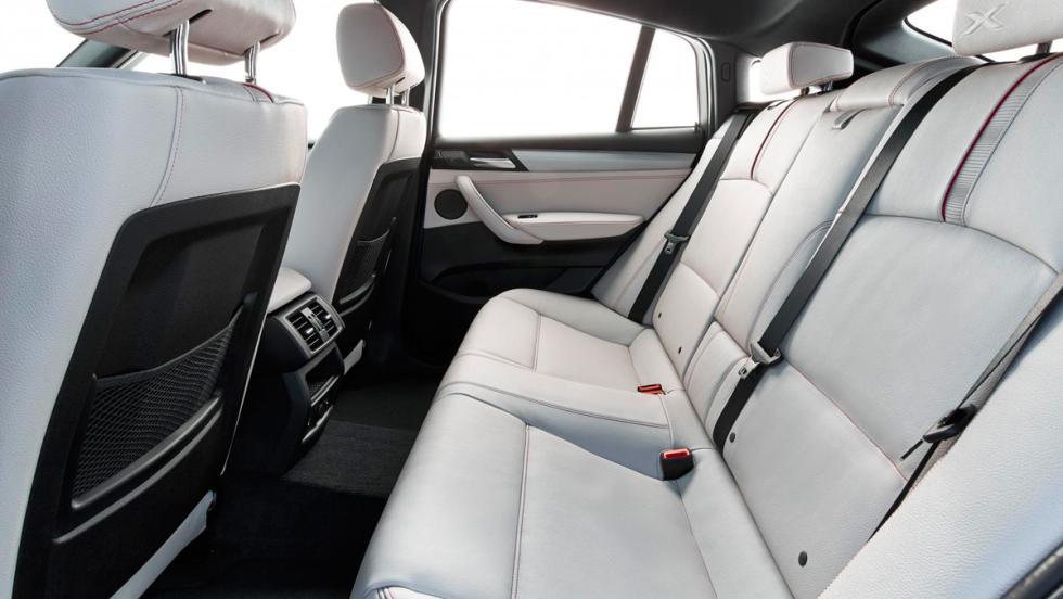 BMW X4 M40i, asientos traseros