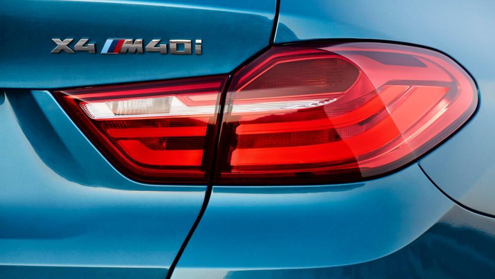 BMW X4 M40i, detalle logo trasero