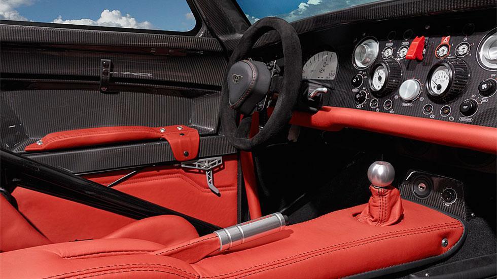 Donkervoort D8 GTO-RS interior cuero fibra carbono
