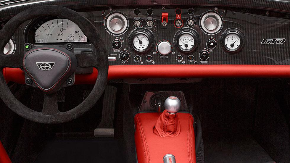Donkervoort D8 GTO-RS Salpicadero lujo interior carbono