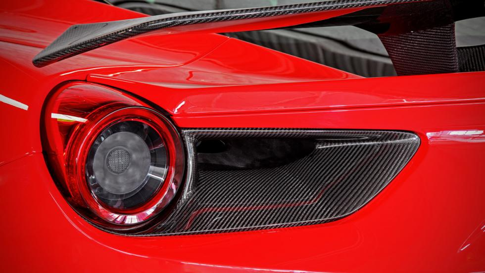 Ferrari 488 GTB detalle faro