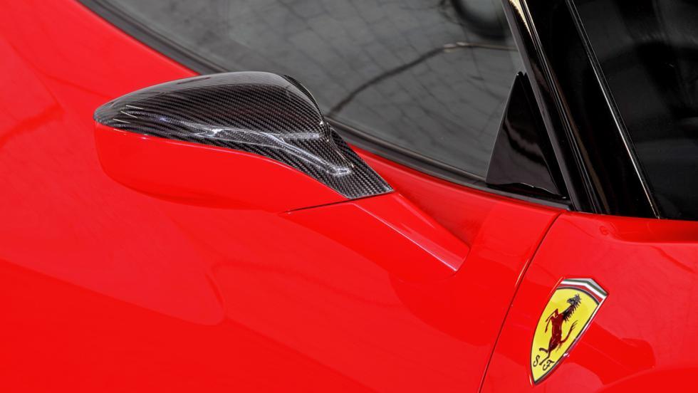 Ferrari 488 GTB retrovisor
