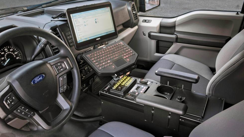 Ford F-150 Policía, interior