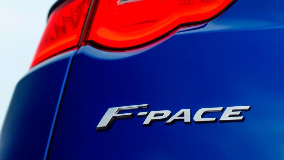 Jaguar F-Pace, logo