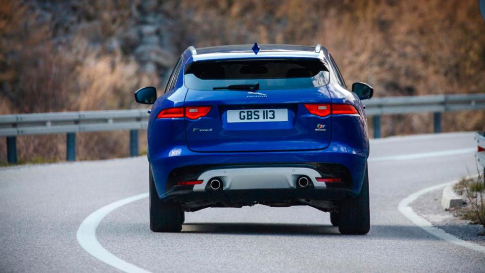 Jaguar F-Pace, trasera