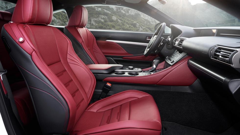 Lexus RC 300h, asientos delanteros