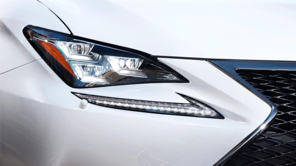 Lexus RC 300h, detalle faro