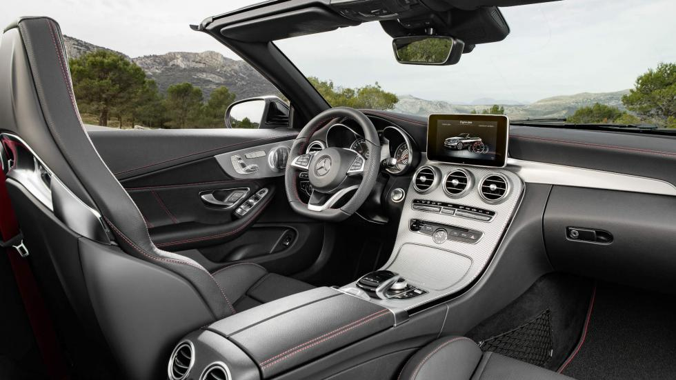 Mercedes-AMG C 43 4MATIC Cabrio interior