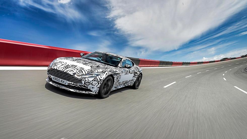 Prueba Aston Martin DB11 circuito
