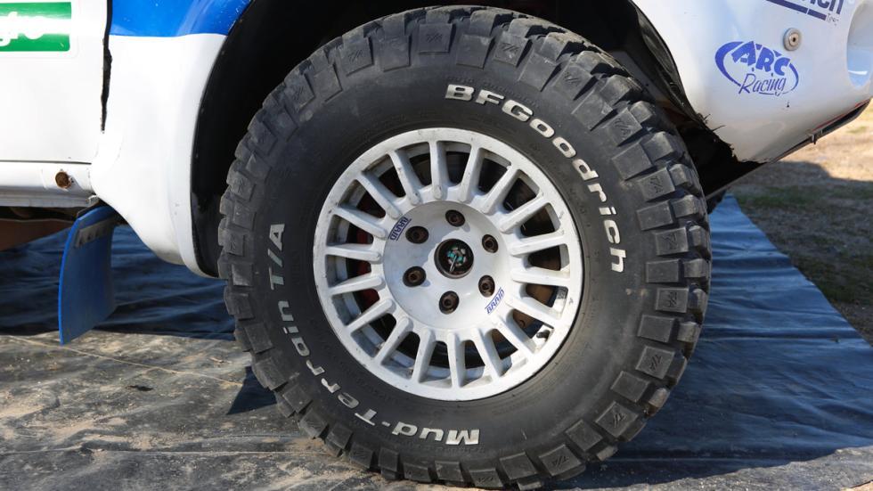 Prueba Mitsubishi Montero T3, neumático