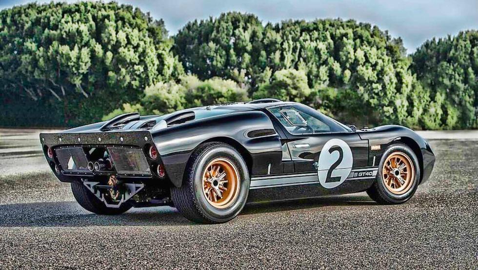 Superformance GT40 con (es de suponer) un motor instalado...