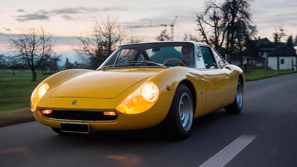 De Tomaso Vallelunga clásico amarillo