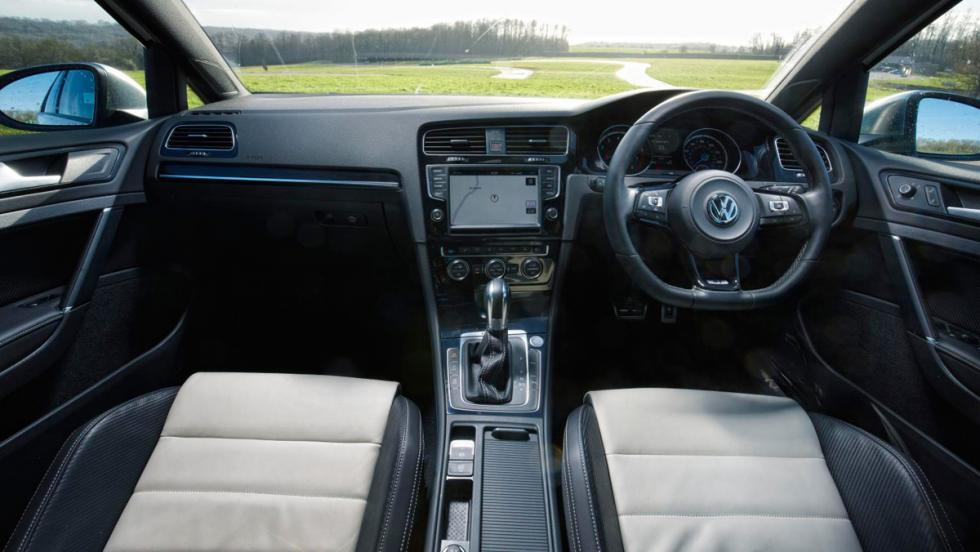 Volkswagen Golf R, interior