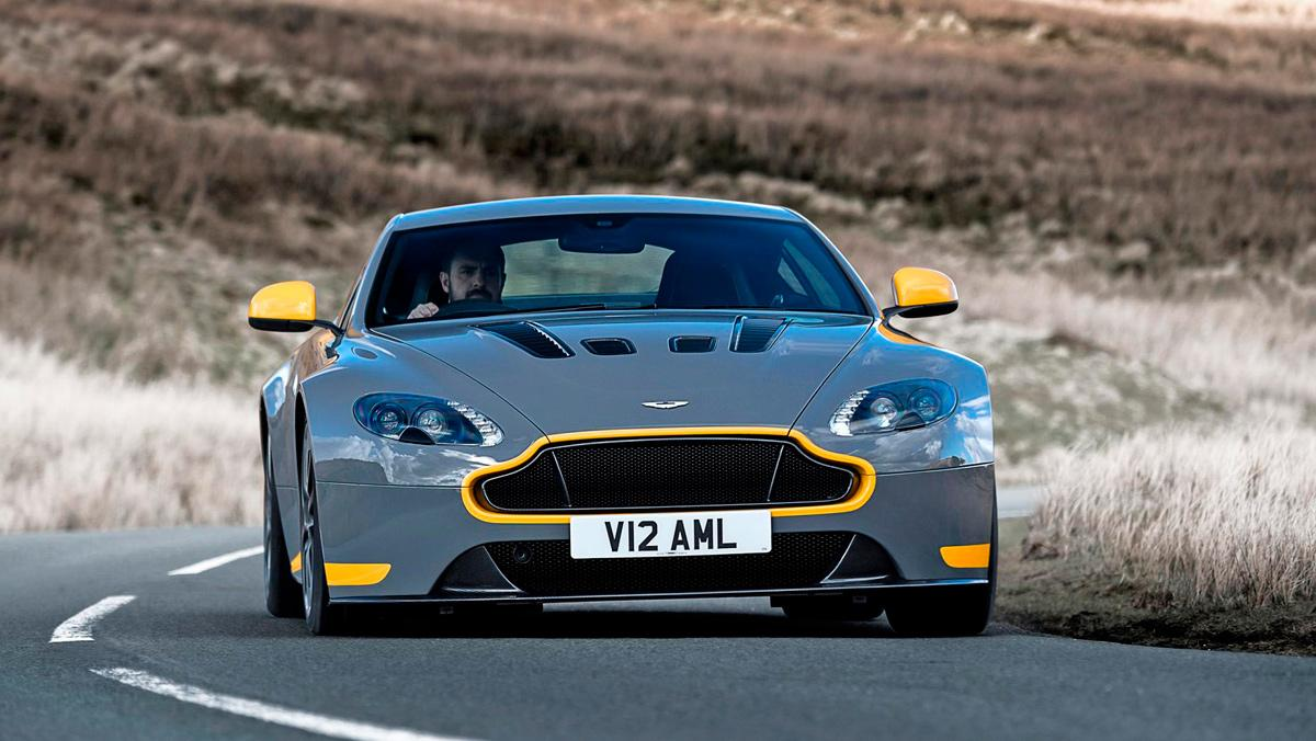 Aston Martin V12 Vantage, cambio dog leg