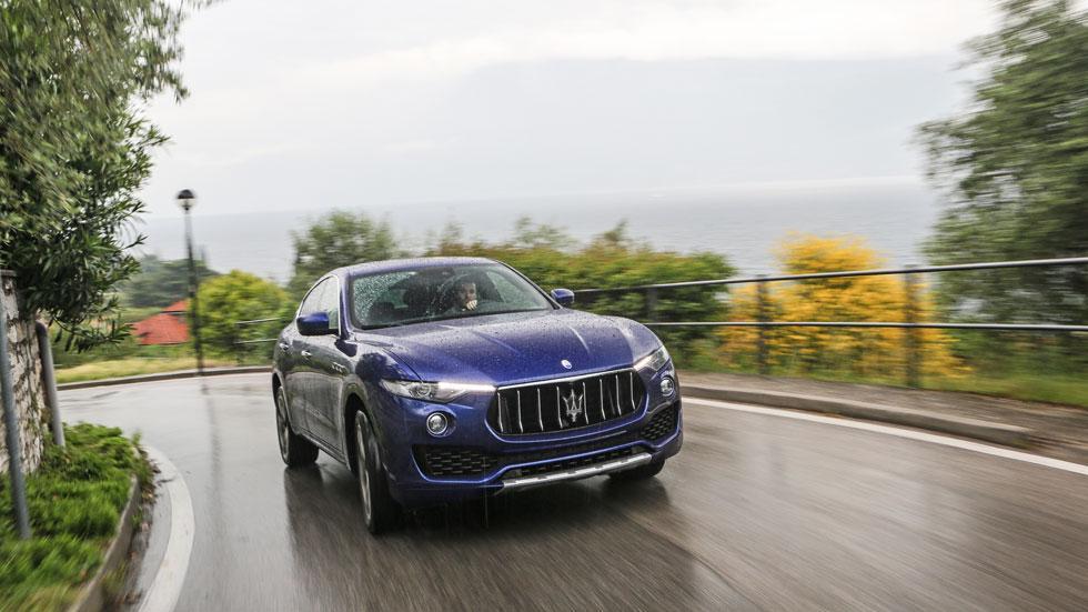 Maserati Massimo Bottura Levante azul