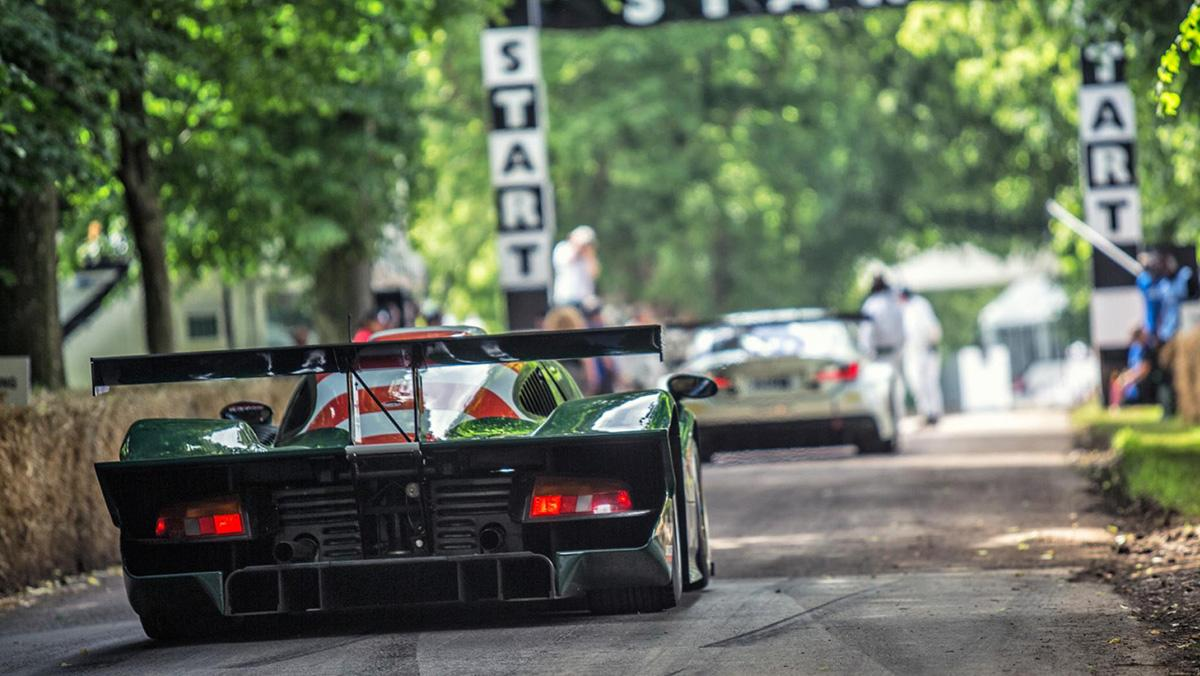 Conducimos un Porsche 911 GT1 en Goodwood