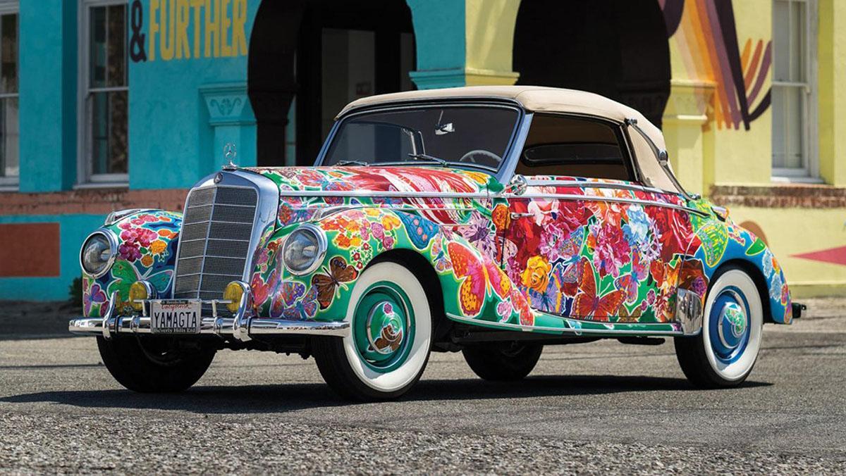 El Mercedes 220 cabrio de 1952 que le encantaría a tu abuela