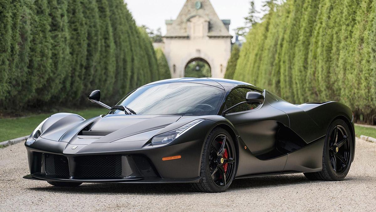 Un Ferrari LaFerrari negro mate, a subasta