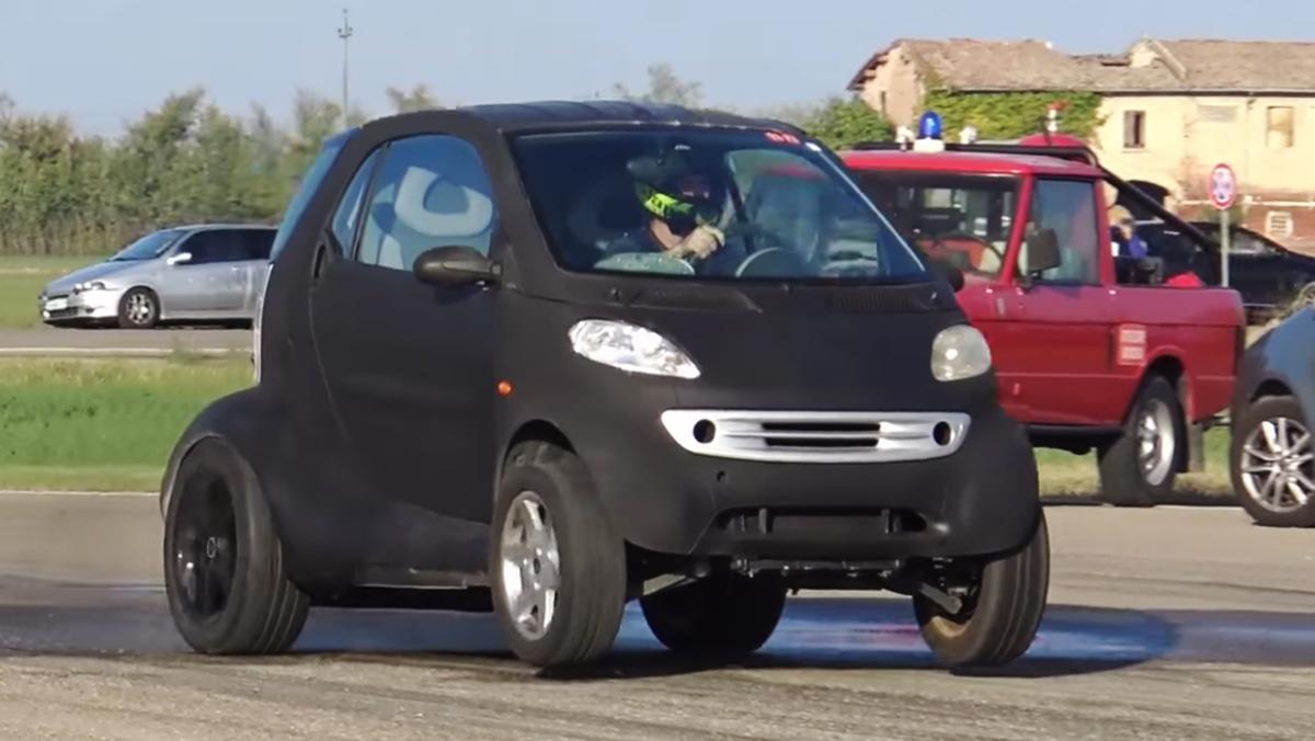 Un Smart dragster de 150 CV