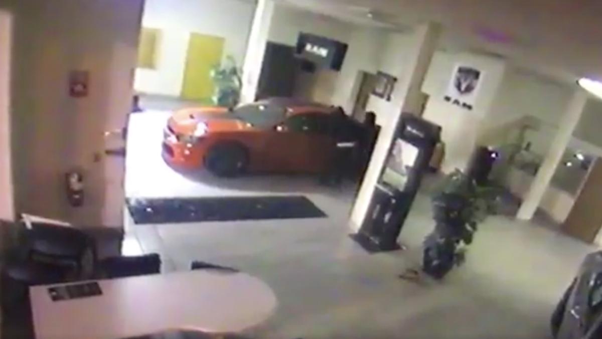 Dodge Charger Hellcat robado