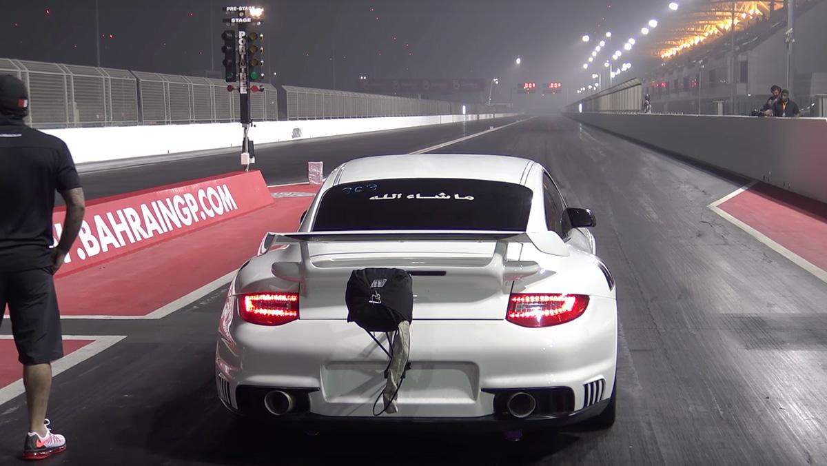 Este Porsche 911 GT2 alcanza los 300 km/h en ocho segundos