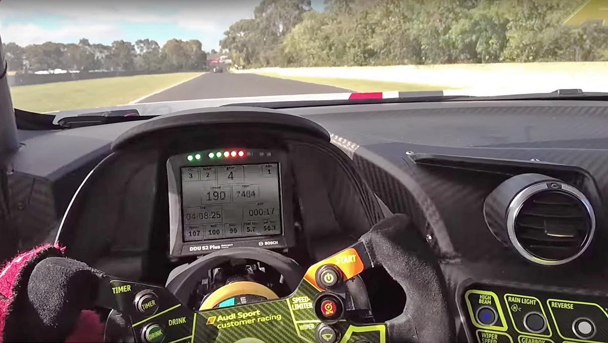 Un Audi R8 LMS a tope en una de las pistas más duras del mundo
