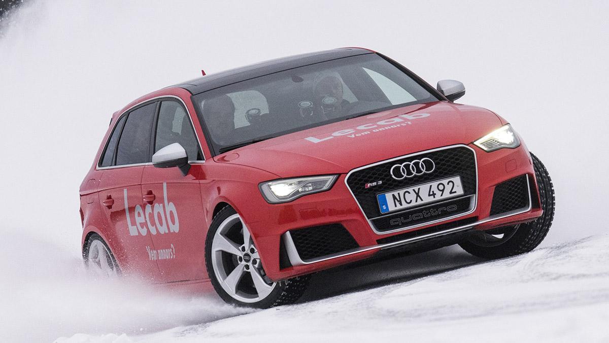 Clases para conducir sobre nieve con un profesor de lujo: Andreas Mikkelsen