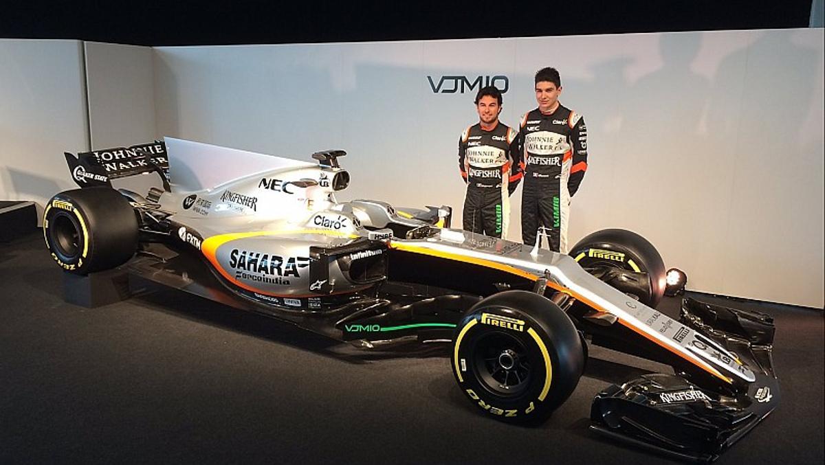 Sergio Pérez y Esteban Ocon posna junto al nuevo Force India VJM10