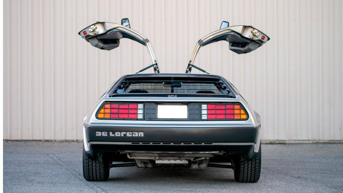 1. DeLorean DMC-12 de 1981 - Regreso al Futuro