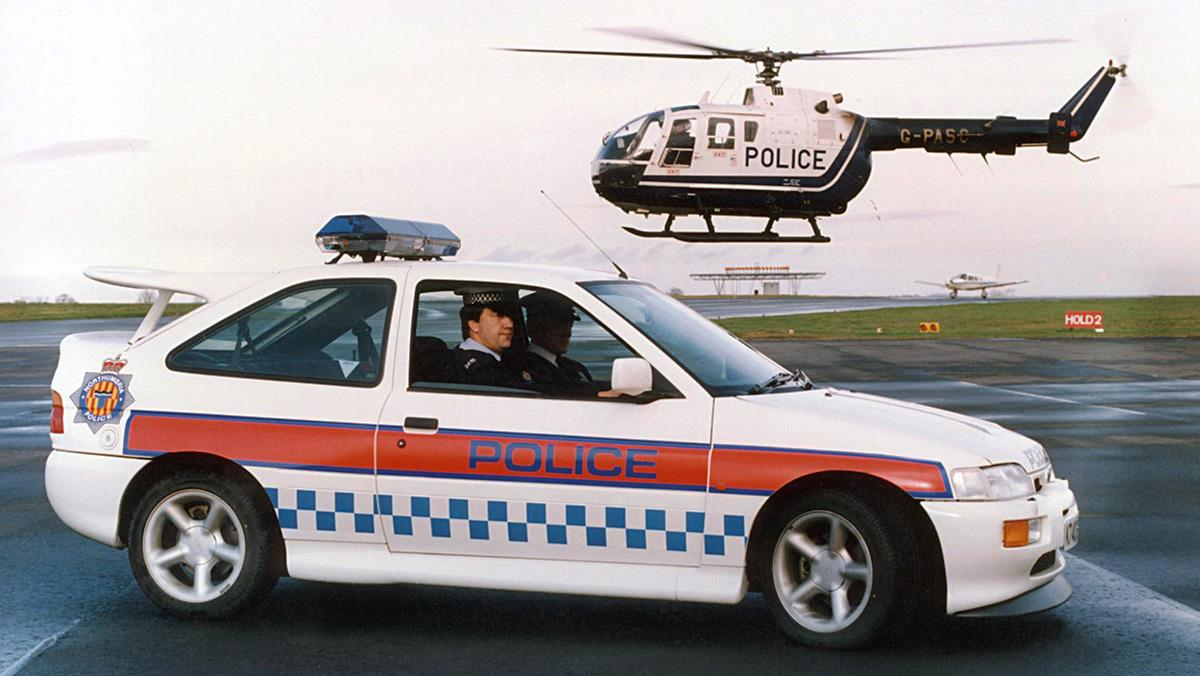 El Ford Escort RS Cosworth de la Policía