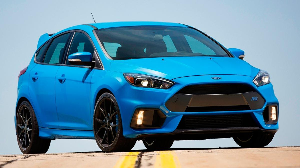 Ford Focus RS imagen frontal azul