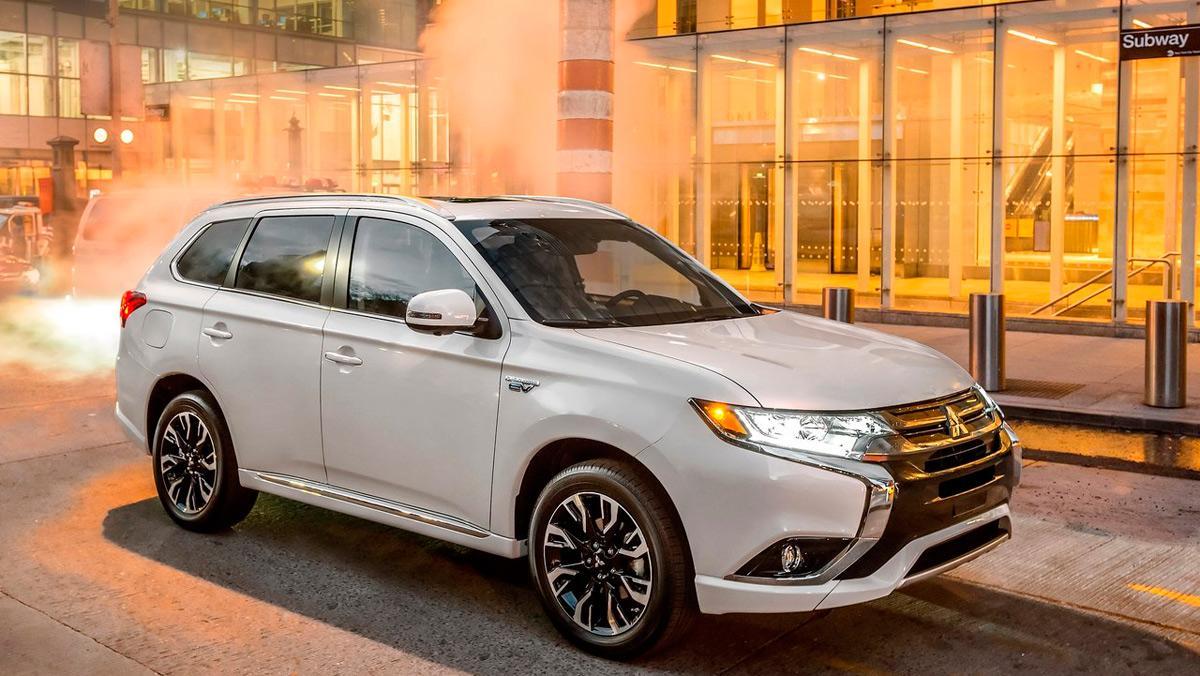 Mitsubishi Outlander PHEV 2017 (I)