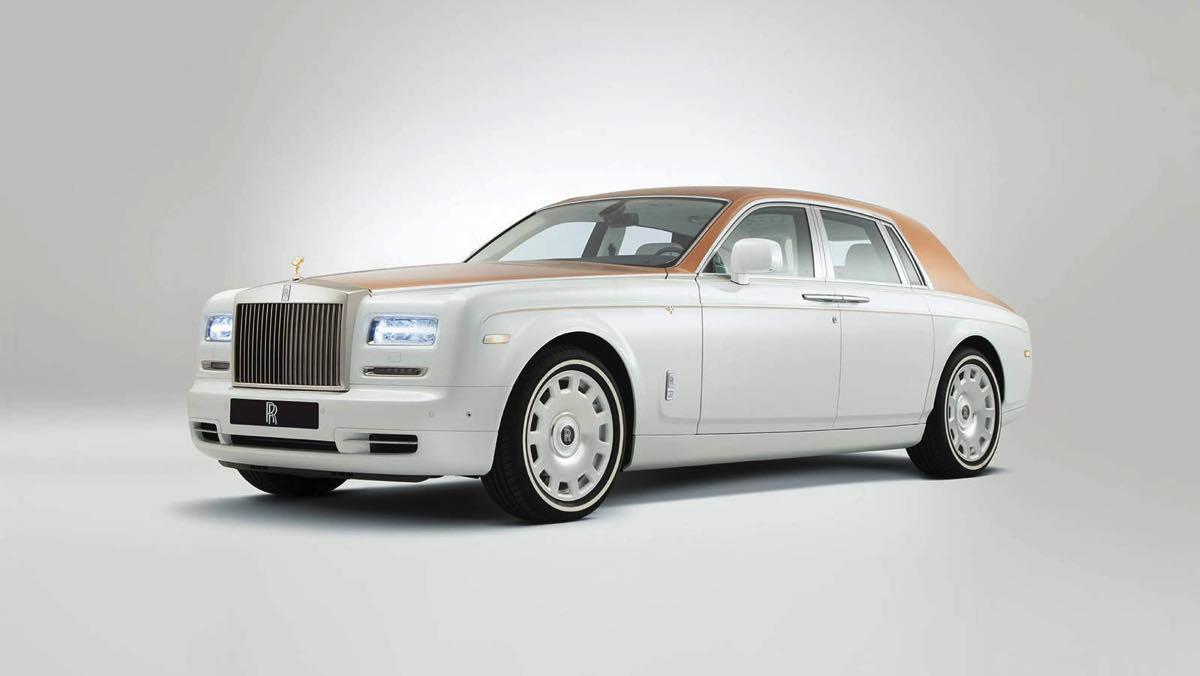 Rolls-Royce Phantom by Sheikh Zayed Grand Mosque