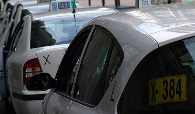 El juez da la razón a Cabify frente a los taxistas