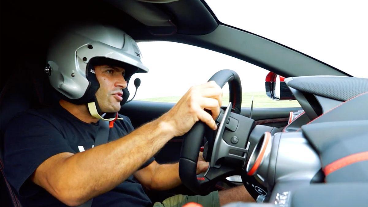Chris Harris probando el Ferrari 812 Superfast prueba