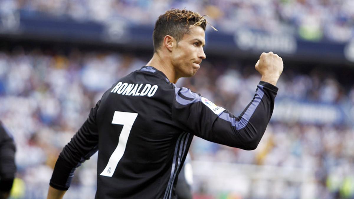 Los coches de los mejores futbolistas del mundo - Cristiano Ronaldo - Bugatti Veyron Grand Sport Vitesse
