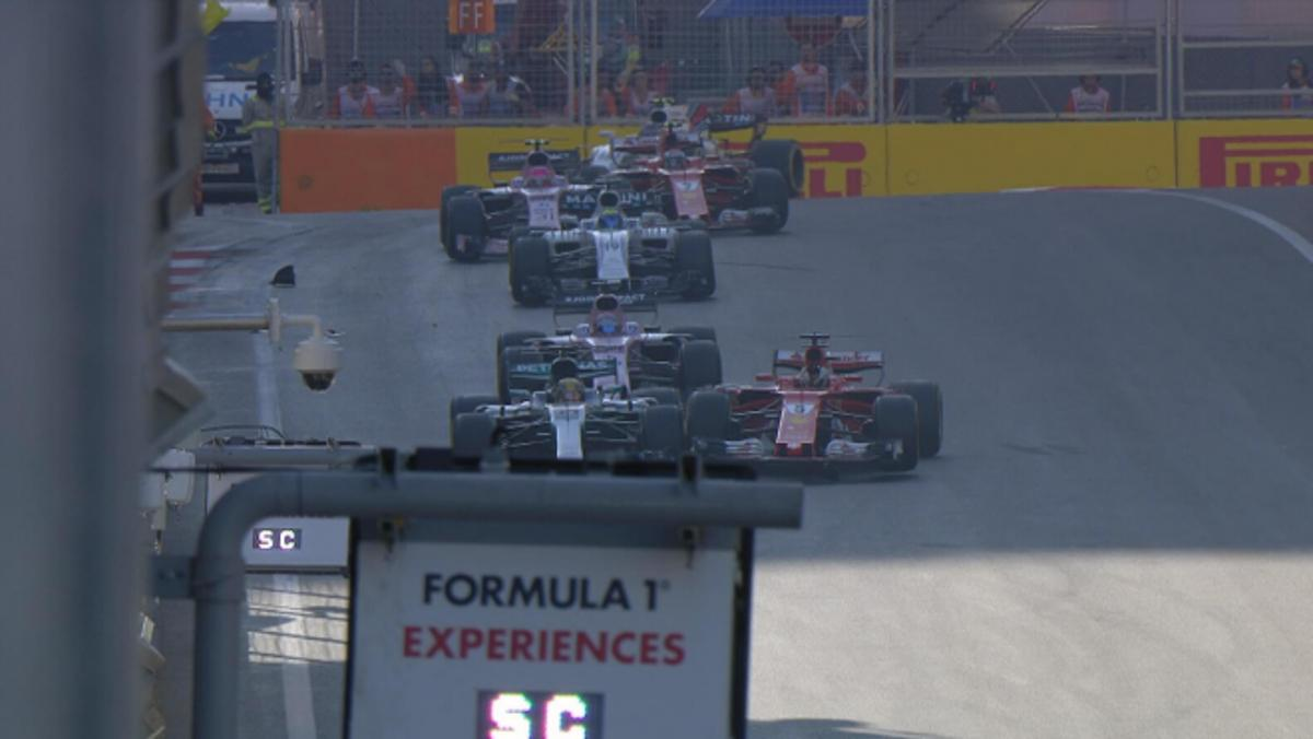 Vettel golpea a Hamiltton en Bakú 2017